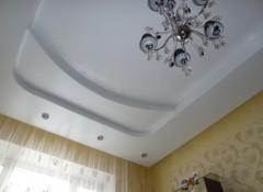 Особенности и примеры применения трехуровневых натяжных потолков