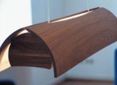 Особенности деревянных потолочных светильников