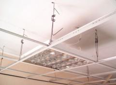 Виды подвесов для потолка Армстронг