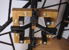 Как своими руками сделать потолочный светильник из дерева?
