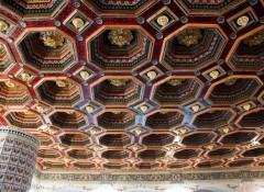Особенности и варианты применения римских потолков