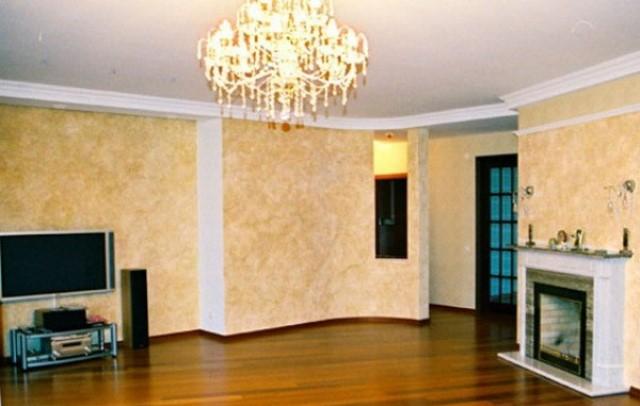 декоративная штукатурка в гостиной фото