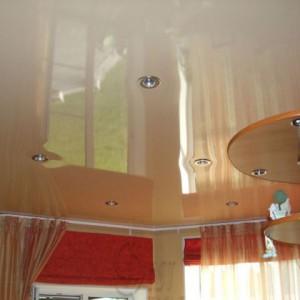 Область применения и особенности натяжных пленочных потолков