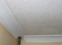 Плюсы и минусы фактурной штукатурки для потолка