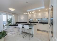 Особенности и нюансы оформления в стиле минимализм кухни-гостиной