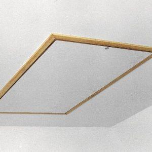 Как красиво заделать лаз на чердак в потолке?