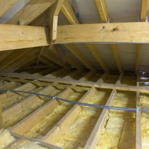 Деревянный потолок — чем и как утеплить?