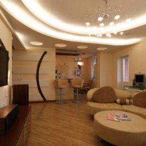 Красивые потолки для зала из гипсокартона — как они выглядят?