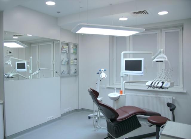 Потолок в медицинском и стоматологическом кабинете - особенности оформления