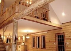 Варианты оформления потолков в доме из клееного бруса