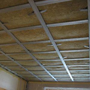 Как сделать в панельном доме шумоизоляцию потолка