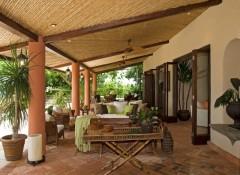 Потолок на веранде — варианты отделки