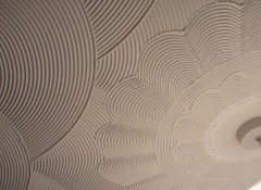 Потолок с узорами из шпаклевки
