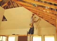 Как своими руками сделать потолок в каркасном доме?