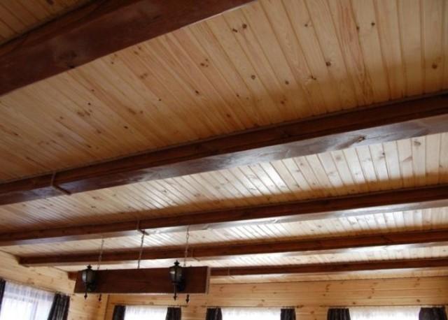 Потолок сруба своими руками 30