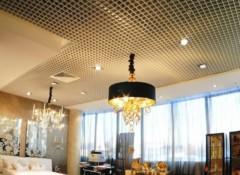 Особенности и применение ячеистых потолков luxalon