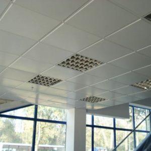 Преимущества и особенности алюминиевых кассетных потолков