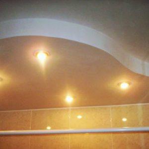 Особенности, плюсы и минусы энергосберегающих лампочек для точечных светильников