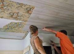 Использование стеновых МДФ панелей для отделки потолка