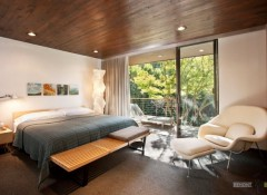 Красивые варианты деревянных потолков