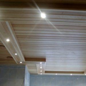 Особенности и порядок монтажа потолка из шпунтованной доски