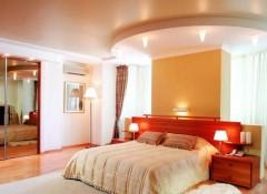 Натяжные потолки для спальни — красивые решения