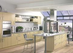Потолок на кухне — какой практичнее?