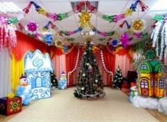 Потолок в детском саду — украшение к Новому году