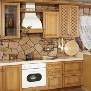 Отделка декоративной штукатуркой стен на кухне