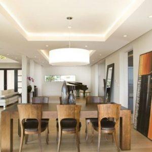 Преимущества и недостатки потолков из гипсокартона для столовой