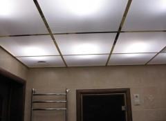 Особенности и порядок сборки световых подвесных потолков
