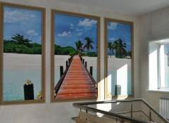 Оригинальное решение — фотообои на стене в рамке