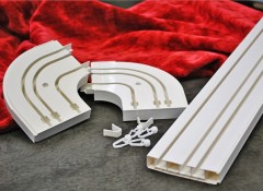 Преимущества и установка потолочных пластиковых двухрядных карнизов для штор