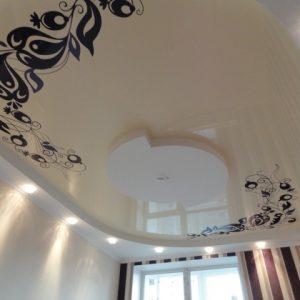 Двухуровневые натяжные потолки с фотопечатью — материалы и конструкции