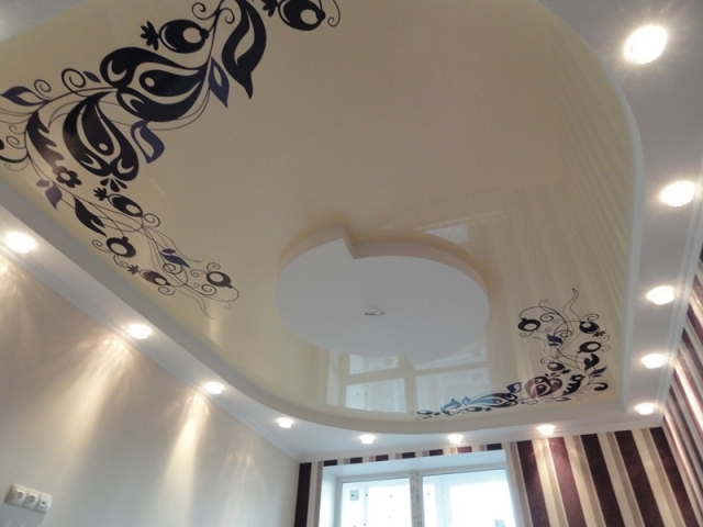 фото рисунки на натяжных потолках