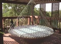 Особенности и создание круглых подвесных кроватей
