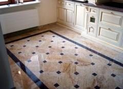 Плюсы, минусы и примеры использования наливных полов на кухне