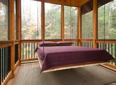 Нюансы и варианты подвесных кроватей к потолку