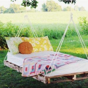 Как своими руками сделать подвесную кровать?