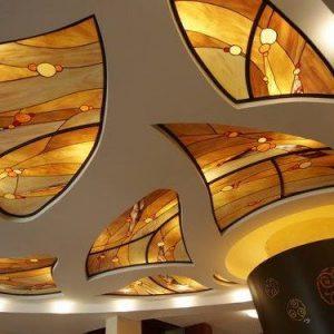 Особенности и примеры абстракций на потолке из гипсокартона