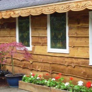 Особенности использования необрезной доски для отделки фасада