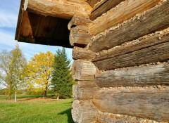 Дом из сруба — как его утеплить?