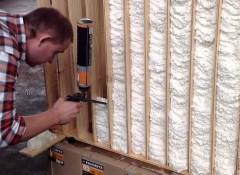 Использование монтажной пены для утепления стен