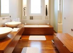 Использование в ванной комнате деревянного пола