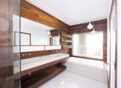 Дизайн с деревянными стенами в ванной команте