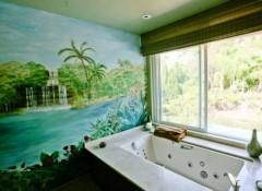 Использование для оформления ванной фотообоев