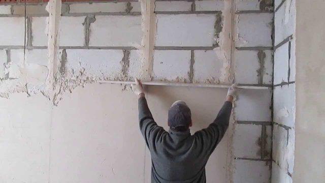Как правильно штукатурить стену цементным раствором из пеноблока коэффициент выхода бетонной смеси показывает