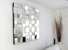 Виды и особенности зеркальных панно на стену