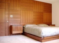Использование деревянных панелей для отделки стен