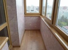 Использование декоративной штукатурки для отделки стен балкона